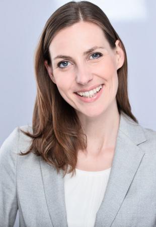 Dozent Marisa Hübner